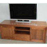 <center><b>ROSSI Lowline</b></br>Select Tasmanian Oak</br>1600 wide</br>with drawer and doors